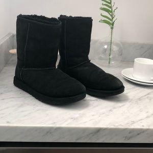 Women's black ugg boots